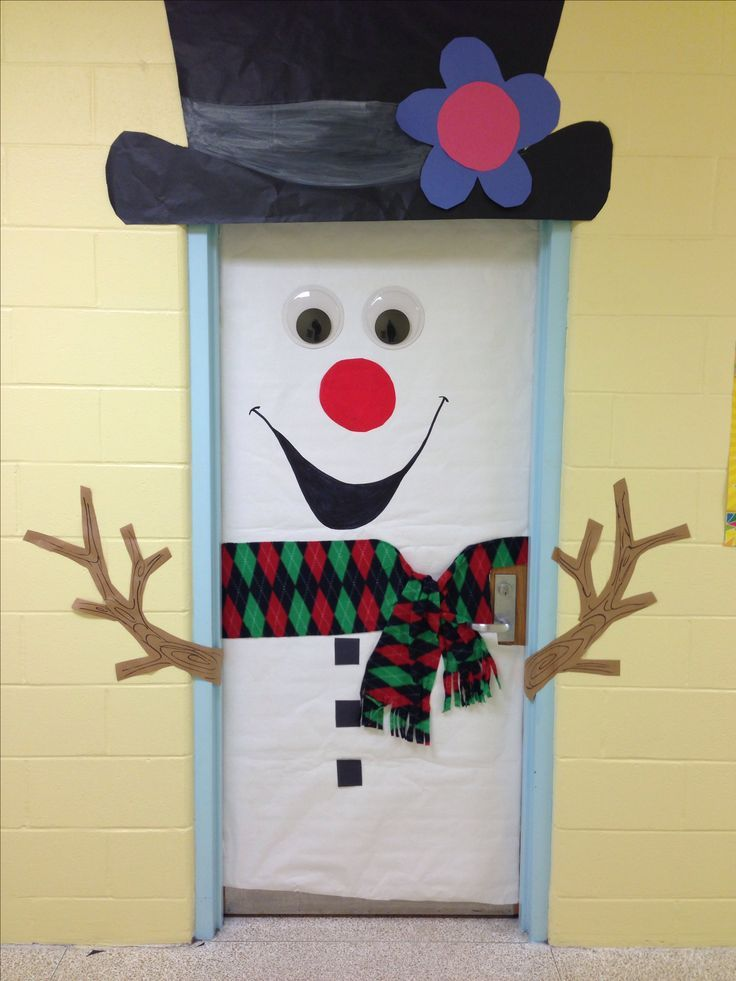 11 Awesome Christmas Door Decoration Ideas For