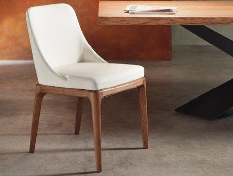 Sedia MARGOT La sedia con o senza braccioli e struttura in rovere tinto in tutte le finiture di serie. Seduta e schienale ergonomico rivestiti in pelle, eco-pelle, pelle cocco o eco-nabuk. Imbottitura ad alta densità.