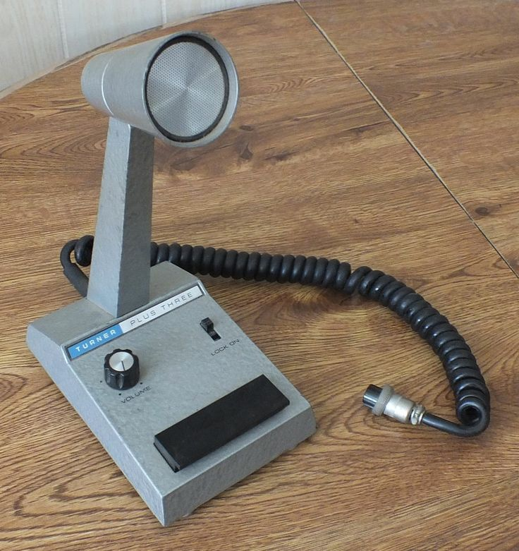 Vintage Turner Plus +3 Base station microphone.  Ham or CB. This was the mic I used with my Cobra 139 (23 ch) and a Starduster groundplane antenna back in the 70s & 80s. KAXV3495 back then.