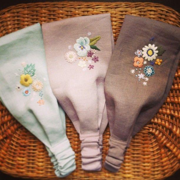 今週末の日曜日(5月19日) お世話になっている岡山のkurumuさんが主催されるイベント『空の音フェスタ』にすこーし参加します。 今回は洋服ではなく小物オンリーで。 リネン+刺繍のヘアバンド作ってみました。