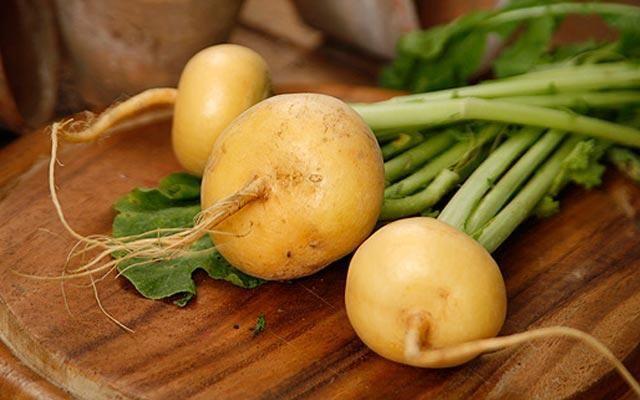 3 рецепта закусок из репы Закуска «Тревизо»Ингредиенты: — 250 г репы, — 250 г моркови, — 250 г картофеля, — 500 г мякоти телятины, — 200 г зеленой фасоли, — 2 толченых зубчика...