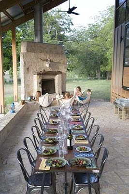 Ideas for our barn house. I want to have an outdoor brick pizza/bread oven on…