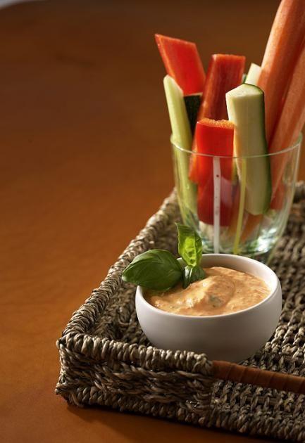Gemüsesticks mit Quarkdip Rezept - [ESSEN UND TRINKEN]