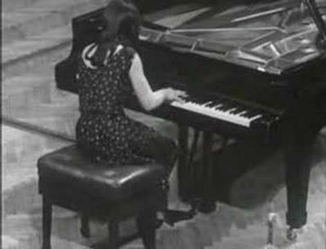 ▶ Chopin - Polonaise Op.53 (Argerich) - YouTube