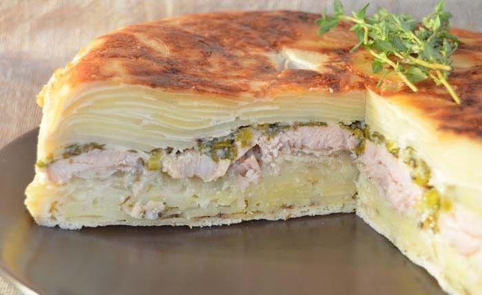 Už Vás omrzely tradiční sýrové lasagne nebo lasagne plněné mletým masem? Vyzkoušejte falešné lasagne z brambor.