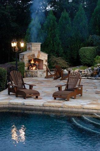 Pool deck / patio.....let's party!