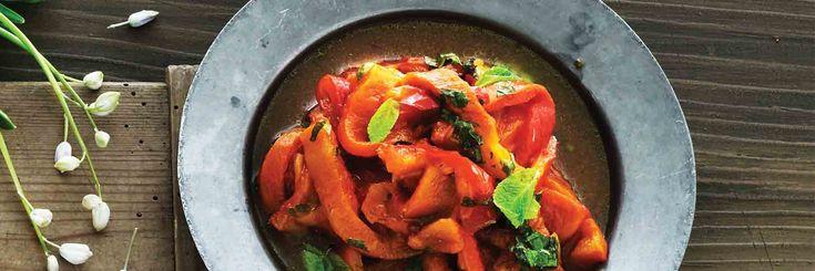 Appelsiinilla ja mintulla maustetut paahdetut paprikat