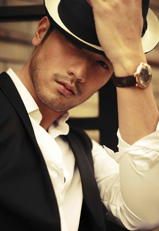 Godfrey Gao (Magnus Bane) from The Mortal Instruments.He also played Fan Xiaoling's boyfriend from Magicians of Love.
