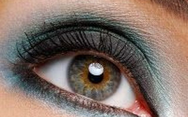 Make up occhi: Scopri il tutorial per un trucco perfetto. Ti piace truccarti ma non sei molto abile a fare un perfetto trucco per gli occhi??? L make up estate tendenza 2016