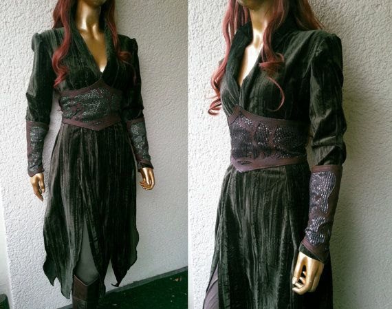 The Hobbit costume Tauriel velvet by VoltoNero on Etsy, $220.00....found my halloween costume! ^.^