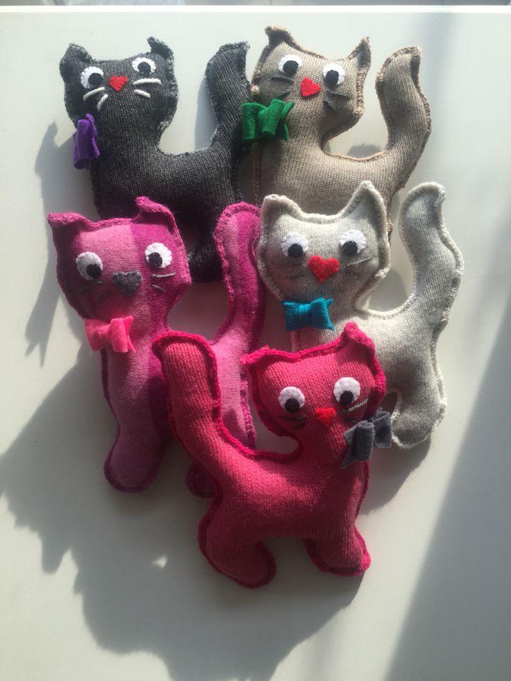 Toy kitties