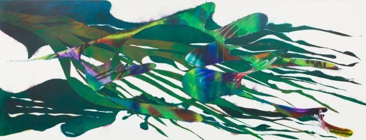 Katharina Grosse, Zonder titel, 2012 acrylverf op doek, 200 x 522 cm. In het werk van Katharina Grosse krijgt schilderkunst, letterlijk en figuurlijk, een nieuwe dimensie. Spuitpistool en spuitbus zijn haar gereedschap, schilderdoeken, stroken papier, muren en plafonds maar ook organische materialen en objecten dienen als dragers. Haar manier van werken lijkt op het eerste gezicht niet veel gemeen te hebben met de traditionele manier van schilderen. Alles wat echter kenmerkend is voor de…