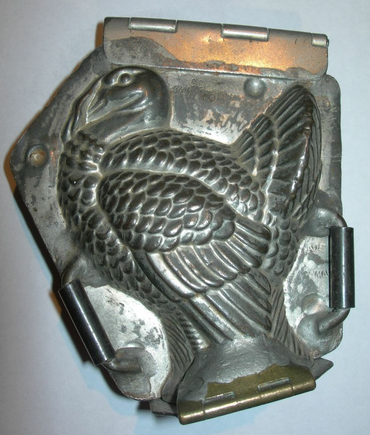 Antique Thanksgiving Turkey Figure Heavy Duty  Vintage Chocolate Candy Tin Mold