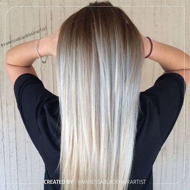 Swooning over beautiful blonde balayage by @vanessablackhairartist 😍What do you think? Formula for you in the comments below! 💖#WellaHair #WellaLife #WellaColor #balayage #blonde #blondehair #blondebalayage #longhair #blendedhair #wellalove #colormelt #blondebombshell #ashblonde