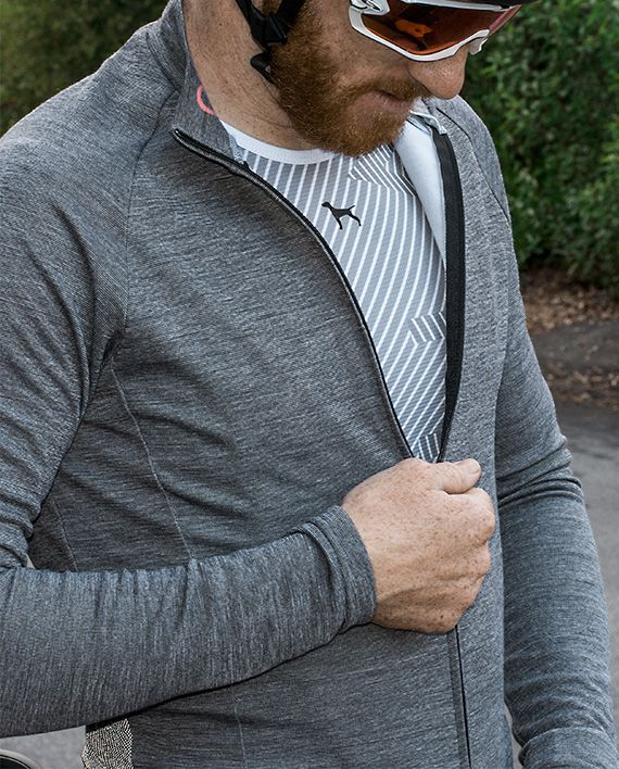 Azusa Canyon Wool LS jersey, Pacifica series, combines the best of wool and stretch to make this garment perform on the bike. Clean and simple design is timeless.