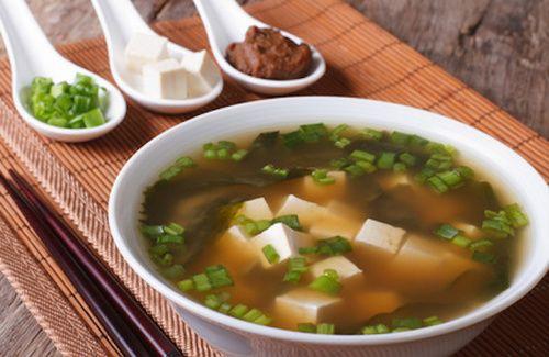 Il miso nella cucina macrobiotica e le sue ricette