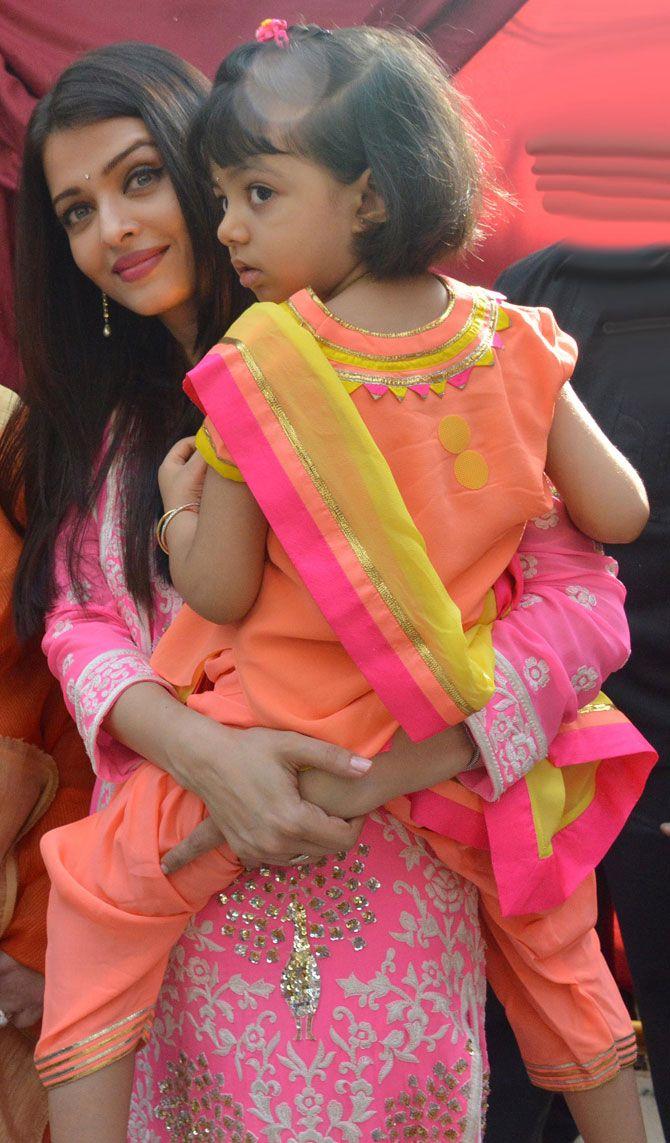 Aishwarya Rai Bachchan and daughter Aaradhya arrive at Siddhivinayak Temple. #Bollywood #Fashion #Style #Beauty #Desi