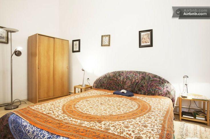 rent nice room full of meditative tantric energy..