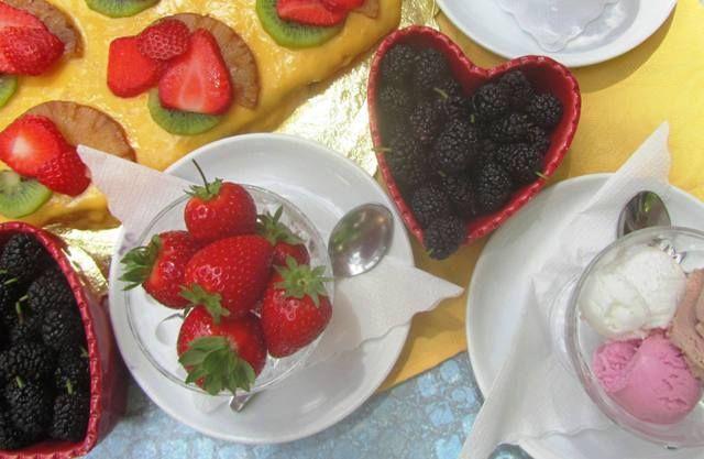 Tanta frutta fresca appena raccolta