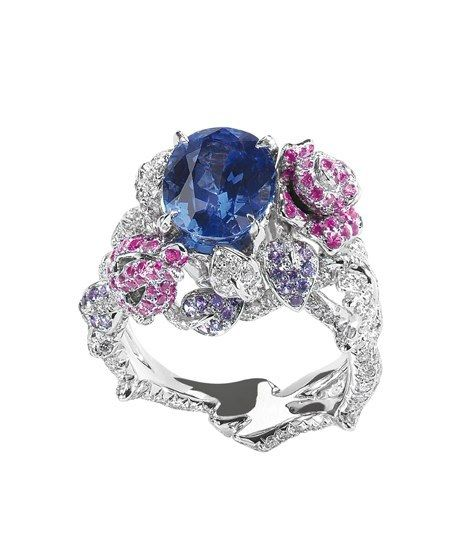Anillo Précieuses Rose, oro blanco, diamantes, safiros, safiros rosados y violetas, Dior Joaillerie