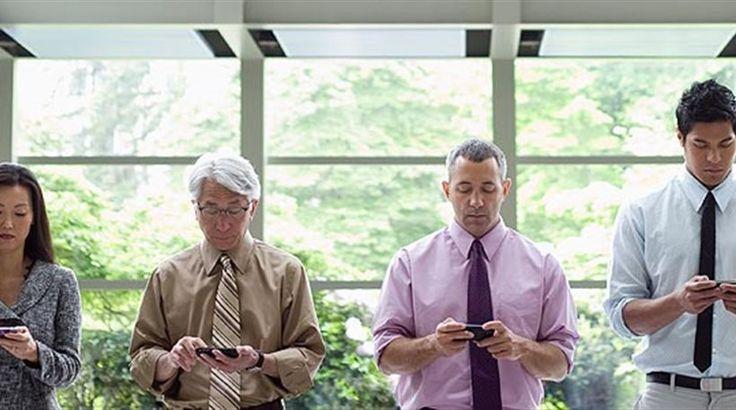 Μήπως είστε εθισμένοι στο smartphone σας; -  Νέα εφαρμογή υποστηρίζει ότι μπορεί να «μετρήσει» τον βαθμό εθισμού των χρηστών «έξυπνου» κινητού τηλεφώνου Ερευνητές από το πανεπιστήμιο της Βόννης στη Γερμανία δημιούργησαν την εφαρμογή «Menthal», που είναι ικανή να «μετρή�
