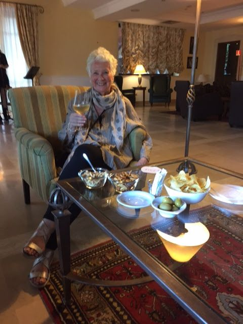 joanheaton519blog: Relaxing at the Il Piccolo Etna Golf Resort