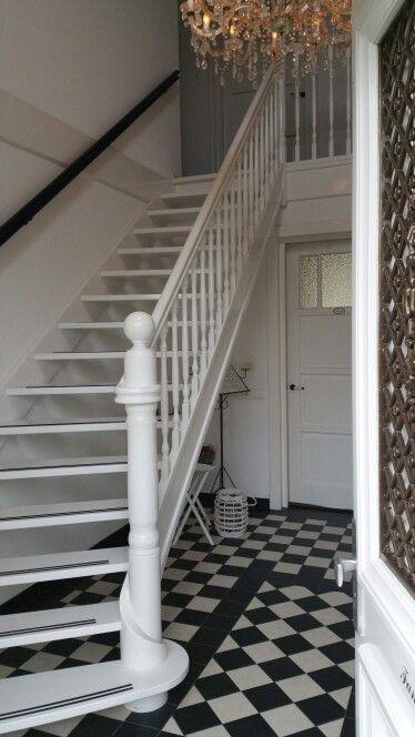 1000 images about trappenhuis en gang on pinterest - Deco houten trap ...
