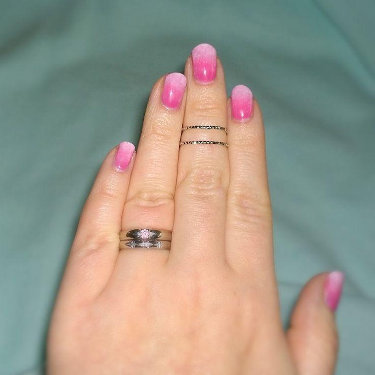 Pink nails! Gradient manicure. #sensationail pink bouquet, pink chiffon & white lily. #gelfanatic Pinkit liukuvärjätyt kynnet. :)
