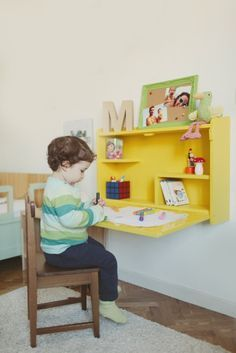 Picapino_escritorio_intantil_niños_plegable_abatible_madera_amarillo_1