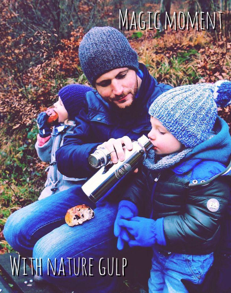 #Repost @stadtlandeltern ・・・ Ein Sonntagsspaziergang mit kleinem Picknick. Dank Weckmännern in Nikolausform und leckeren Tee aus der neuen Flasche von @naturegulp waren alle froh . . . #lebenmitkind #lebenmitkindern #lebenalsmama #sonntag #spaziergang #sonntagsspaziergang #eifel #landleben #waldspaziergang #picknick #wandernmitkindern