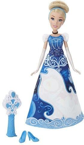 Disney Princess Fashion magische jurk: Assepoester  Met deze pop kun je urenlang spelen. Dit keer is de pop gekleed in de Assepoester jurk . Deze kunststof popo is 32 centimeter hoog en gebaseerd op het figuur uit de populaire Disney-film. De pop is geschikt voor kinderen vanaf drie jaar.  EUR 39.95  Meer informatie