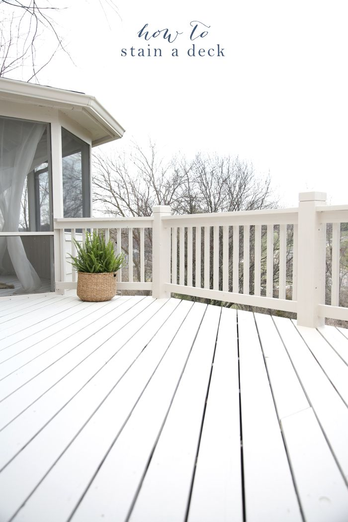 Get the tips & tricks how to stain a deck for a beautiful finish with minimal effort