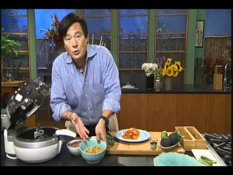 Chef Ming Tsai and the T-fal ActiFry Savory Chicken dish