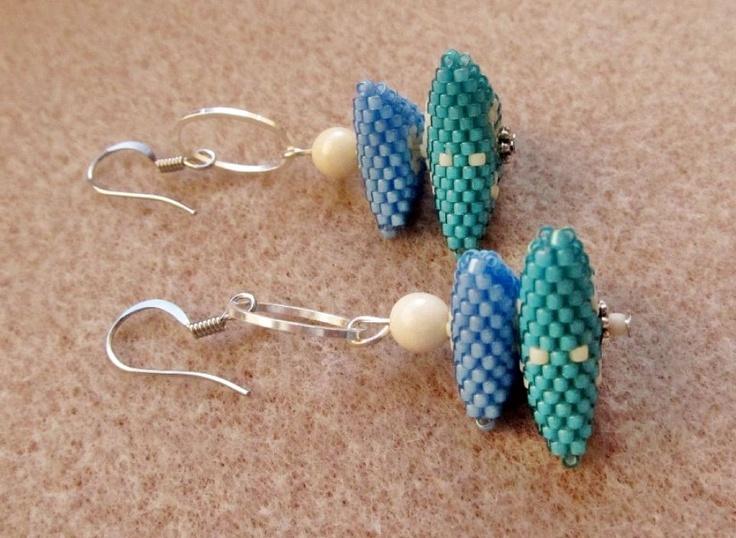 Turquoise earring by http://www.breslo.hu/item/Turkiz-haromszog-fulbevalo_1575#