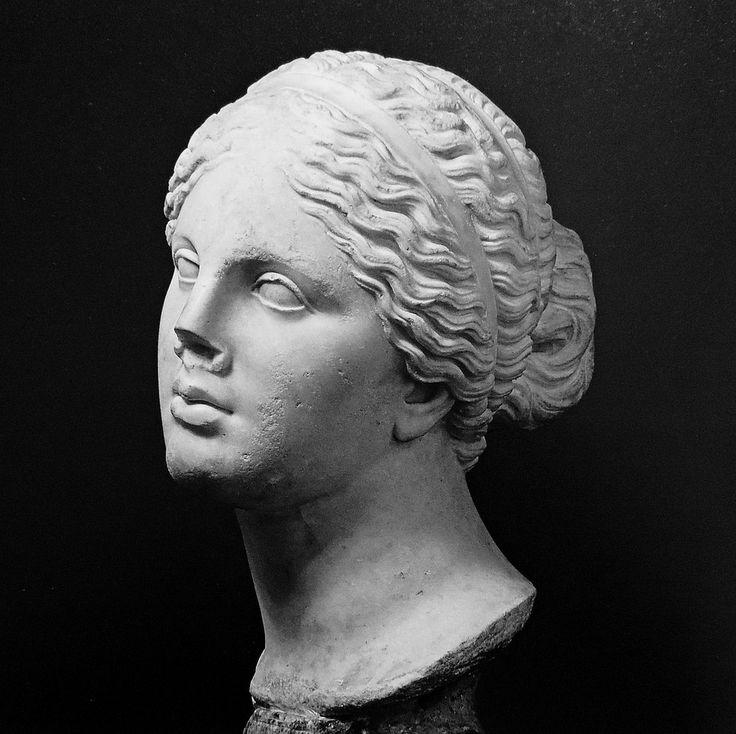 Cnidus Aphrodite by Li Taipo 🐝🌻💖
