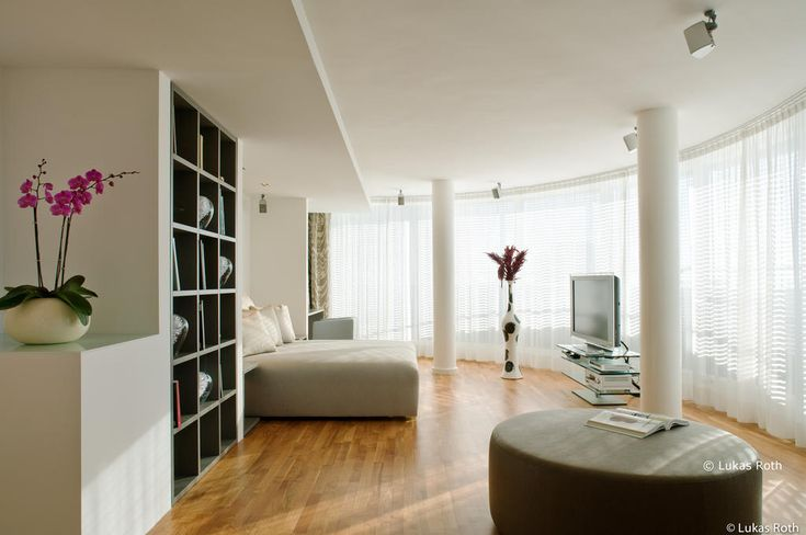 Located in the Mitte neighborhood in Berlin, 201 m from Sony Center, The Mandala Hotel features a restaurant and free WiFi throughout the property. The hotel has a spa center and sauna, and guests can enjoy a drink at the bar. Private parking is available on site.