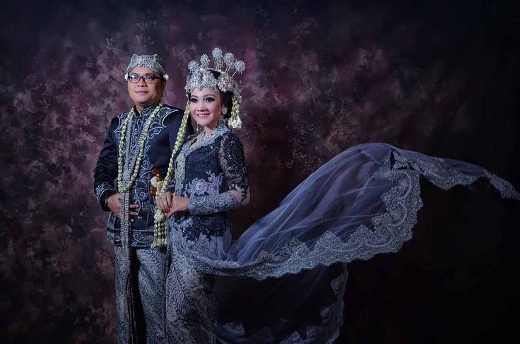 A Sundanese Bride :)
