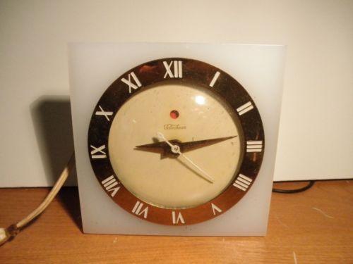 Vintage-1940-039-s-Telechron-Model-4H54-Lucite-Electric-Clock-Works