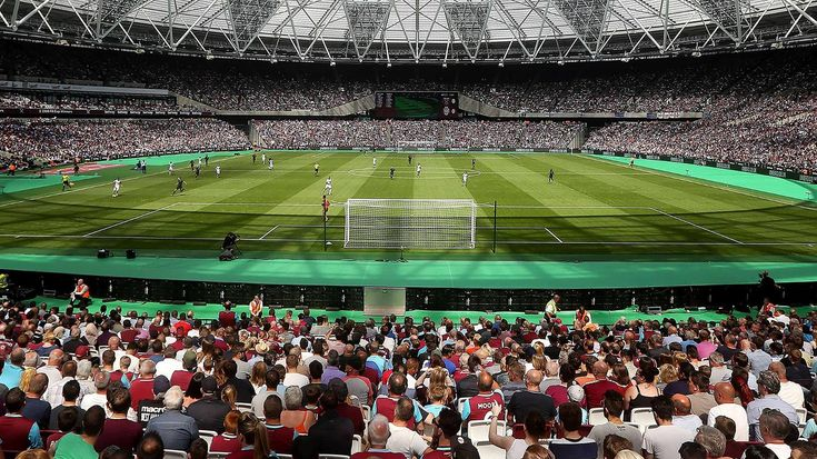 Read about West Ham United v Swansea City in the 2016/17 season, including lineups, stats and live blogs, on the official website of the Premier League.