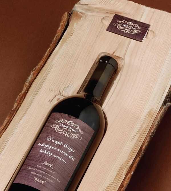wood log packaging for wine bottle