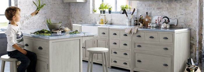 Trend: een zinken werkblad. Meer leuke ideeën voor een gezellige keuken op de blog#sweethomesmartlife - #kitchen #design #DIY