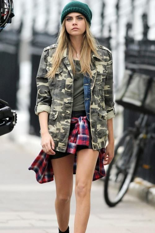 Outfit Girl Model Cara Army Jacket Print Camo