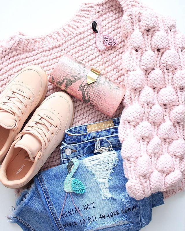 Нежный привет мне из Севастополя😊🌸 Теперь и в Солнечном Крыму гуляет красивая Оксана в #свитермалинки_IrinaLeirih 💖 #свитер #девушка #стиль #мода #knitting #instaknit #handknit #picoftheday #fashionstyle #fashionknitwear #fashionblogger #lookbook #totallook #pink #instagood #instamoment #like4like #irinaleirih #style #streetstyle #girl #fashiongirl