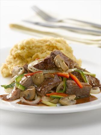 Guiso de carne y vegetales al cabernet