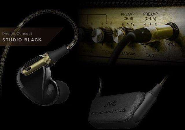マイクが内蔵されたイヤホン「マルチライブモニターイヤホン」はblootoothを介して流れている音楽と、そのマイクで拾った周囲の音をミックスして同時に聞く事ができるガジェットイヤホンです4
