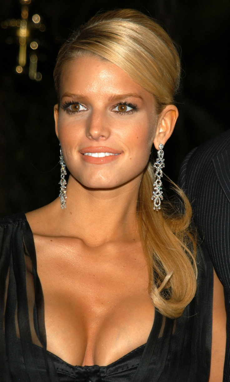 Jessica Simpson Elegant Ponytail Amp Earrings Perfect