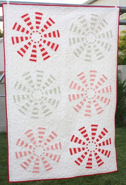 'Peppermint Pinwheel' quilt tutorial - simple DIY quilt project that looks complex.