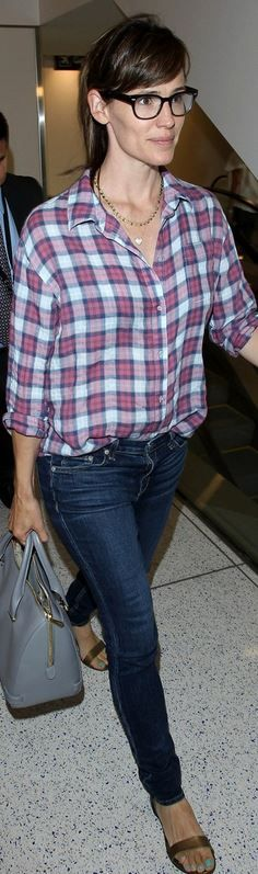 Jennifer Garner skinny jeans plaid shirt