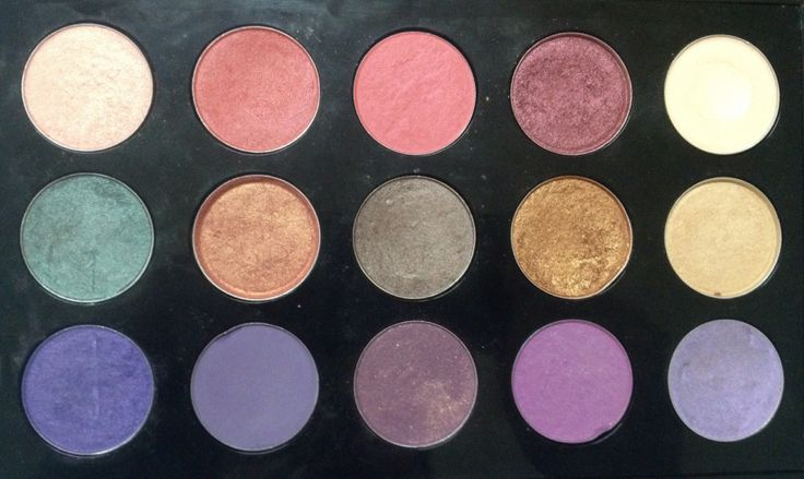 Mac Pro Palette. Romanitique, Daydreaming, Sushi Flower, Cranberry, Vanilla, Sex & the Oyster, Expensive Pink, Satin Taupe, Amber Lights, Ricepaper, Parfait Amour, Purple Hase, Trax, Crème de Violet, Beautiful Iris