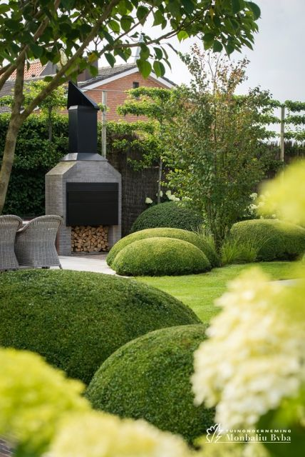 25 beste idee n over groenblijvende tuin op pinterest blauwe spar groenblijvende landschap - Hoe aangelegde tuin ...